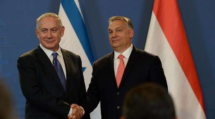 Israeli Prime Minister Benjamin Netanyahu (L) and his Hungarian counterpart Viktor Orban hold a joint press conference at the Parliament building in Budapest, Hungary on July 18, 2017. Credit: Haim Zach/GPO